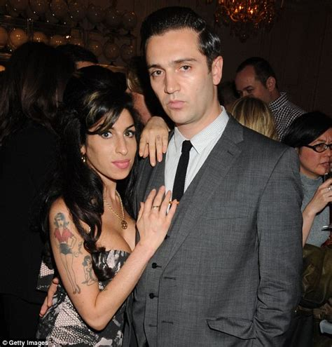 Winehouse Engaged by Winehouse S Ex Reg Traviss Cleared Of Daily