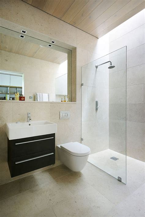 bathroom design ideas use the same tile on the floors and