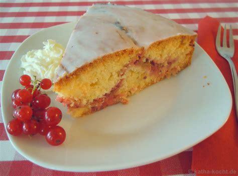 himmel und hölle kuchen mit johannisbeeren rhabarber johannisbeer kuchen katha kocht