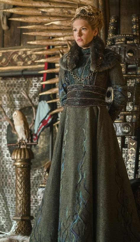 lagertha lothbrok how to dress like her 712 best costume research vikings images on pinterest