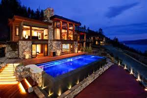 Kelowna Luxury Homes Kelowna Mansion Sells For 4 7 Million At Auction Pricey Pads