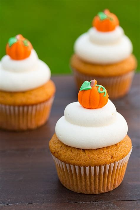 pumpkin cupcakes pumpkin cupcakes with cream cheese frosting cooking classy