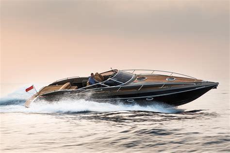 hunton xrs power boat  sale wwwyachtworldcom