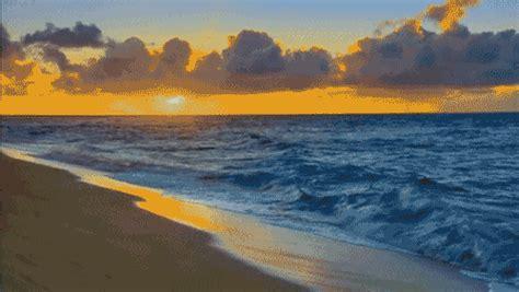 imagenes gif que cambian de color im 225 genes gif que te quitar 225 n las ganas de ir a la playa