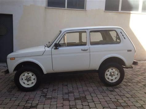 lada di sale himalayano prezzo sold lada niva 1600 4x4 used cars for sale autouncle