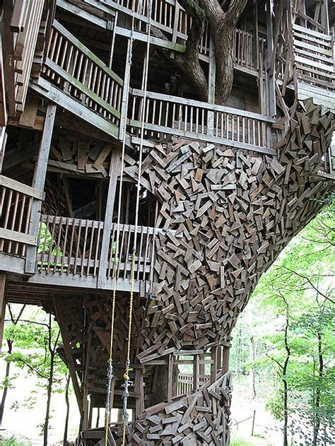 crossville tn treehouse the world s largest treehouse a mansion in a tree bit