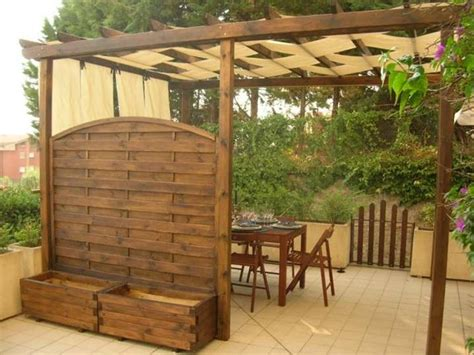 costruire tettoia in legno fai da te pergolato fai da te pergole e tettoie da giardino