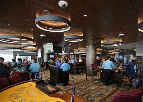 emerald casino table clubhouse casino emerald downs