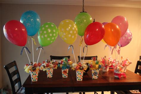Balon Polkadot Stick balloon stick centerpieces with pops ideas