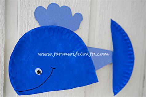 blue craft paper blue whale paper plate craft the farmwife crafts