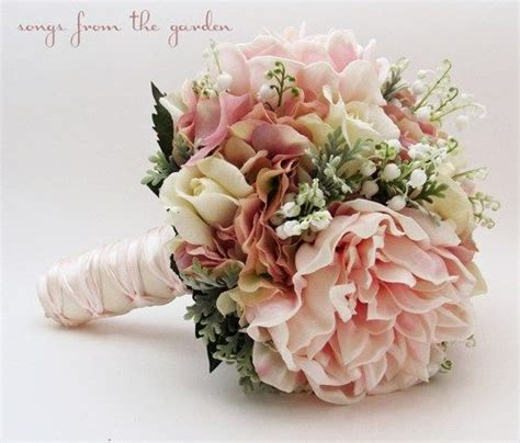 braut valley bridal bouquet lily of the valley peonies roses hydrangea