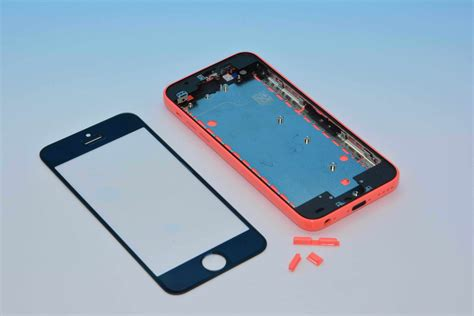 near complete iphone 5c in red leaked