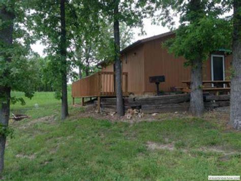 Clinton Lake Cabins by Gabby S Cabins Cabin 8 Clinton Missouri