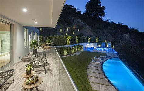 million newly built modern mansion  los angeles