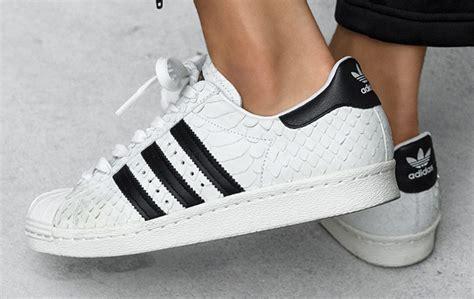 Sepatu Wanita Adidas 5 Stripe White Solid Superstar Shoes Kanyewestsneakers