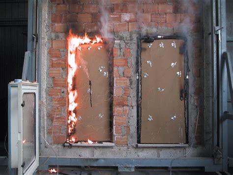 produzione porte tagliafuoco produzione di porte tagliafuoco e vetrate antincendio
