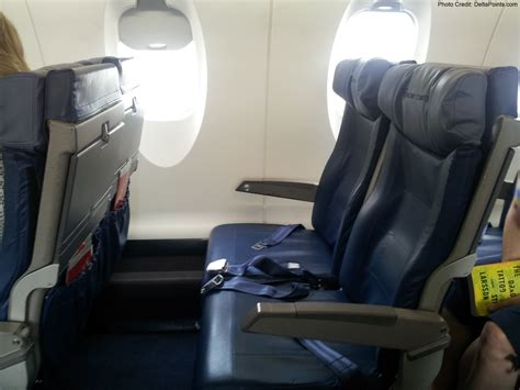 delta upgrade from economy comfort to business class delta economy comfort seats crj 900 and a trip report part
