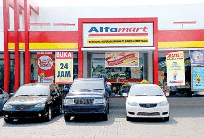 Teh Alfamart shopping grocery stores open 24 hours a day in jakarta