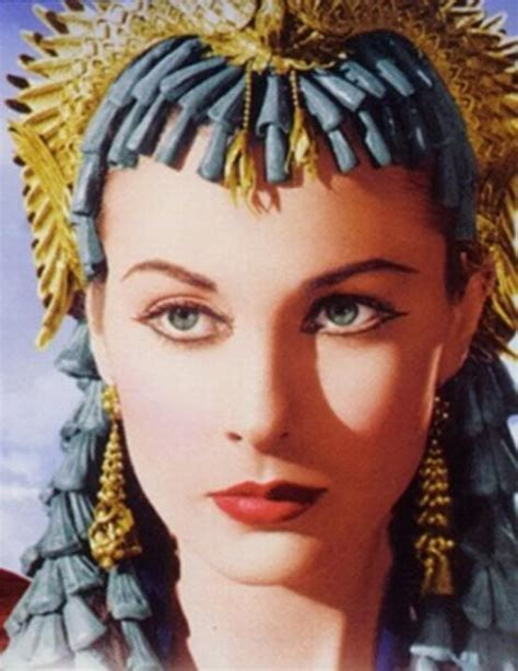 cleopatra biography in hindi vivien leigh as cleopatra hollywood costumes pinterest