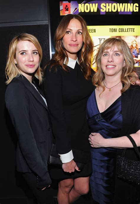 emma roberts julia roberts film emma roberts posed with her aunt julia roberts and her