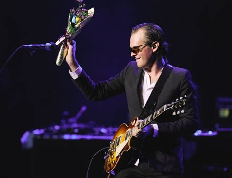 joe bonamassa fan review joe bonamassa scorching in vancouver