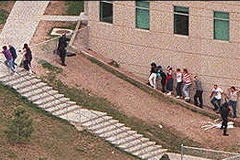 real scene photos columbine graphic pictures columbine shooting columbine shooting