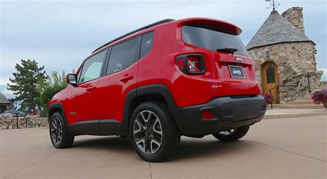 jeep hatchback here s a sneak peek at the 2015 jeep renegade the fast