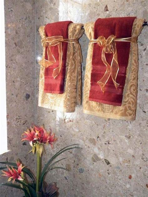 Hanging Decorative Towels In Bathroom » Home Design 2017