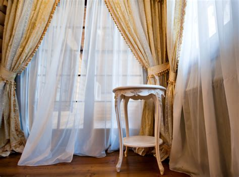 in home drapery cleaning 4 benefits of hiring curtain cleaning service