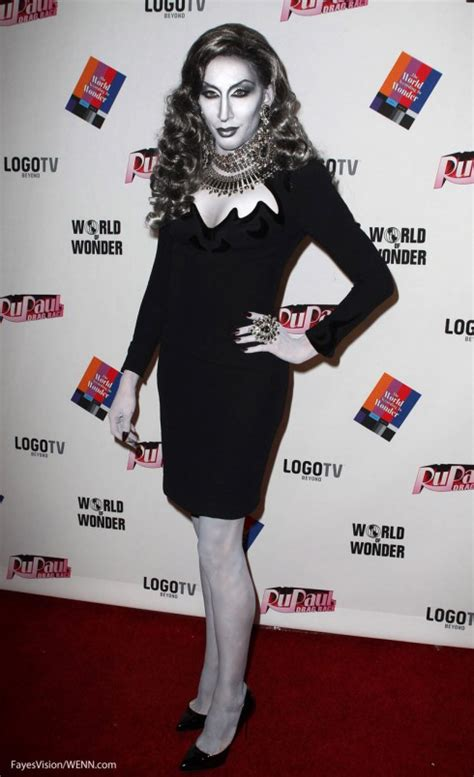Rupaul S Drag Race Detox Black And White by Detox Black And White Carpet Rupaul S Drag Race Reunion