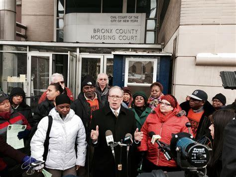 housing court bronx new york city comptroller scott m stringer visits bronx housing court to discuss