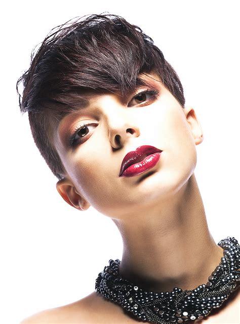 pixie cut for triangular face undercut triangle face