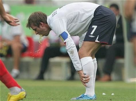 That Half An Inch By Beckham Digested By The Guardian by La Moviola De Rafanomejodas Junio 2006
