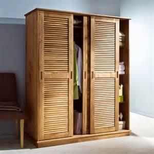 armoire 3 portes persiennes coulissantes en pin massif