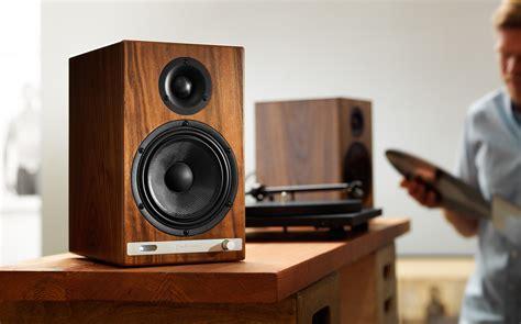 hd6 powered speakers walnut audioengine tech