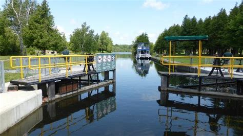 happy days house boats photo0 jpg picture of happy days houseboats day rentals bobcaygeon tripadvisor