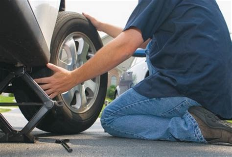 How Many To Replace Tires On Car How To Change A Tire Auto Car Repair