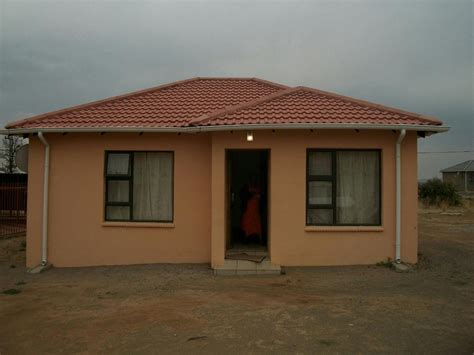 2 bedroom house for sale 2 bedroom house for sale aliwal north 1kk1284037 pam