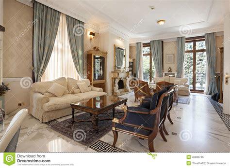 interni salone interno di un salone classico di stile in villa di lusso