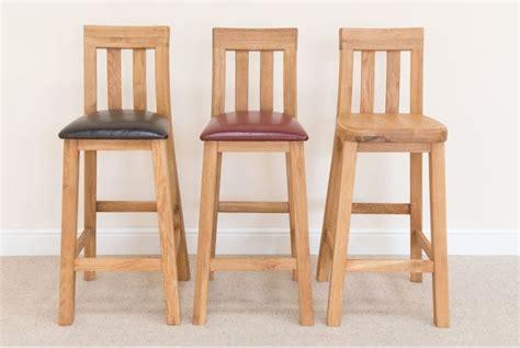 sgabelli da bar in legno sgabello da bar accessori casa come scegliere uno