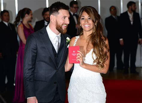 messi wag wag antonella roccuzzo displays svelte figure in ibiza