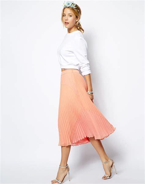 the crop top midi skirt combo globetrotting stiletto