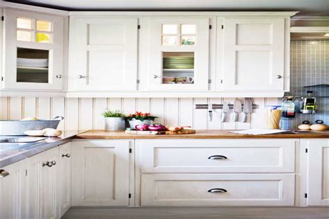 White Kitchen Cabinet Styles by How To Choose And Apply The White Kitchen Cabinet Doors