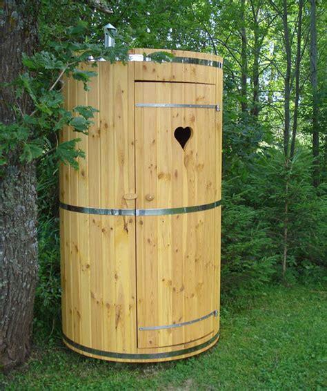 bagni ecologici prezzi porta rifiuti da giardino in legno hydrius saune