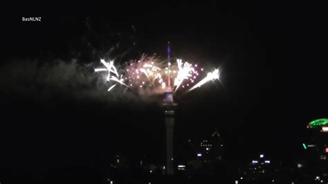 new year 2017 nz 2017 new year s fireworks sky tower auckland new