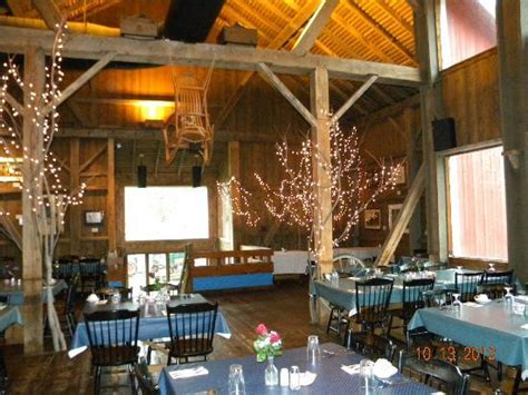 The Barnyard Restaurant The Barn Restaurant Picture Of Amish Acres Nappanee