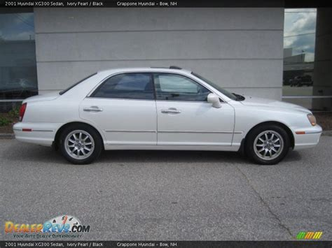 2001 hyundai xg300 sedan ivory pearl black photo 2