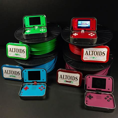 raspberry pi handheld gaming 2 mintypi handheld gaming inside altoid tins technabob