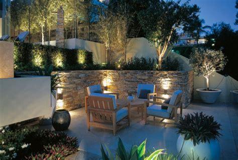 illuminazioni esterne da giardino illuminazione da giardino faretti led paletti luminosi