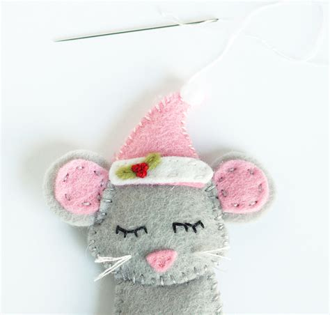 baby sock diy christmas ornaments cutesy crafts